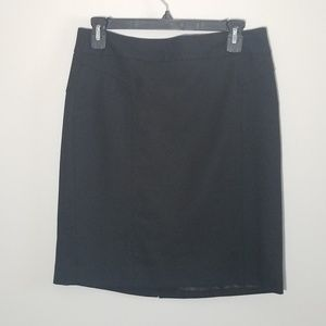 Banana Republic Skirts - Banana Republic size 6 black pencil skirt